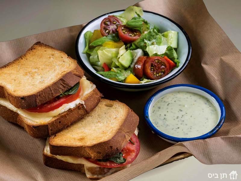 טוסט גבינות מפנק, לחם בריוש, גבינת שמנת, גאודה, פטה, עגבניה,...